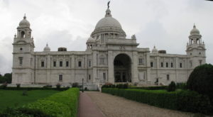 Victoria_Memorial_Image from_front_side