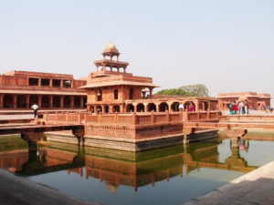 Fatehpur_sikri_image from_pool_side