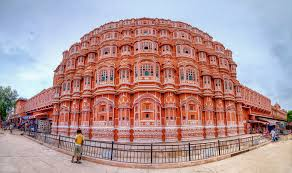 Hawa_Mahal_Image from_front_side