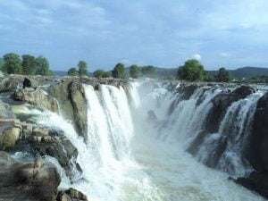 Beautiful Hogenakkal Falls
