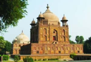 Khusro Bagh is situated in the city of Allahabad.