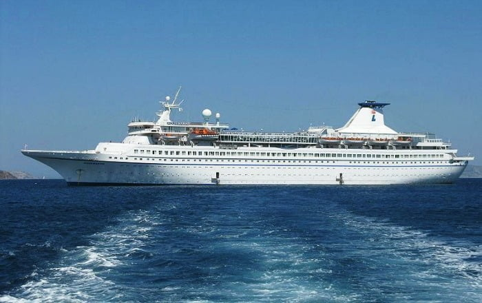 8 Luxury Cruise Ship Holiday Destinations in India