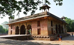 Roshanara Bagh is situated in Delhi